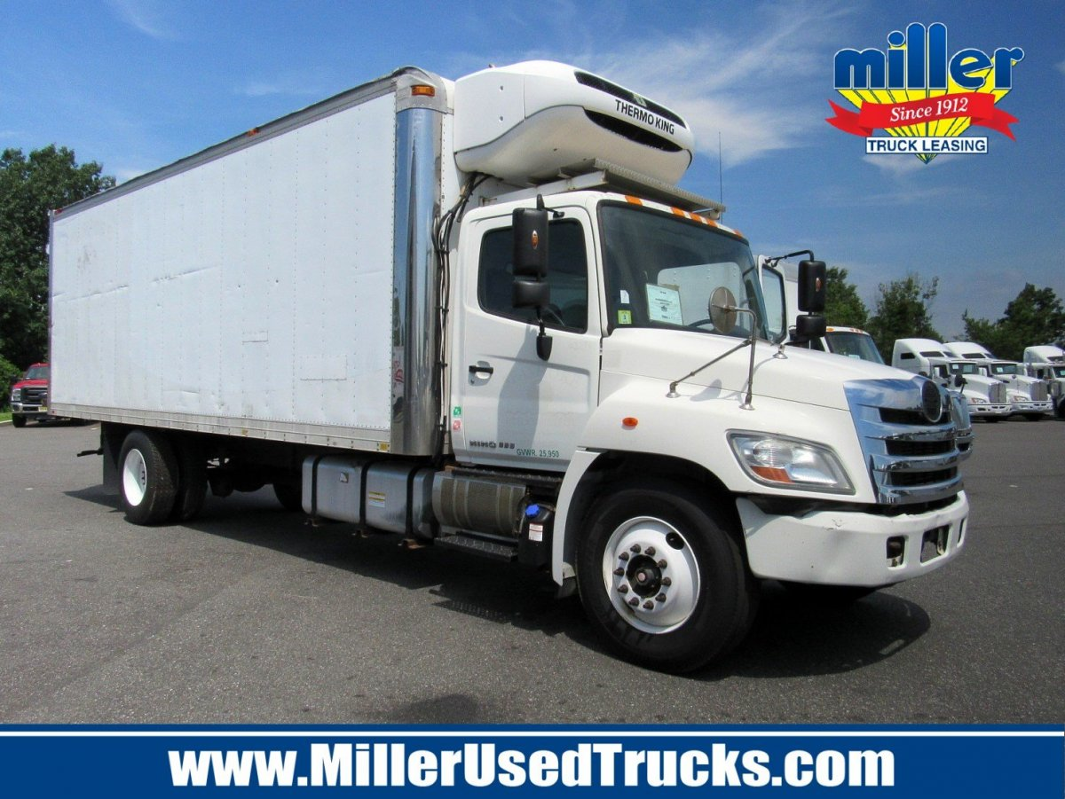 USED 2013 HINO 338 24' REEFER REEFER TRUCK #2673