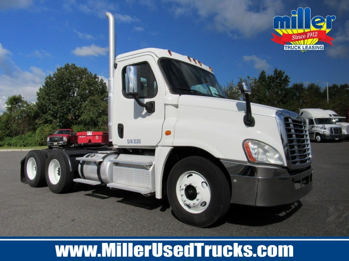 USED 2013 FREIGHTLINER CAS125-DC TANDEM AXLE DAYCAB TRUCK #2783