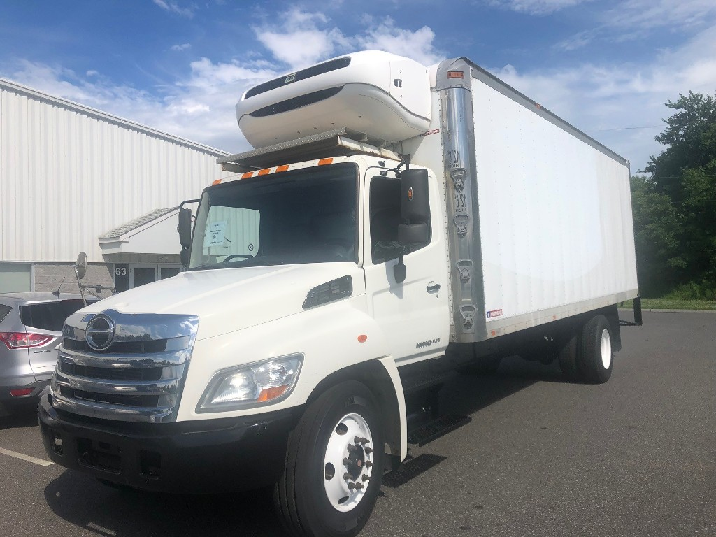 USED 2013 HINO 338 REEFER TRUCK #2817