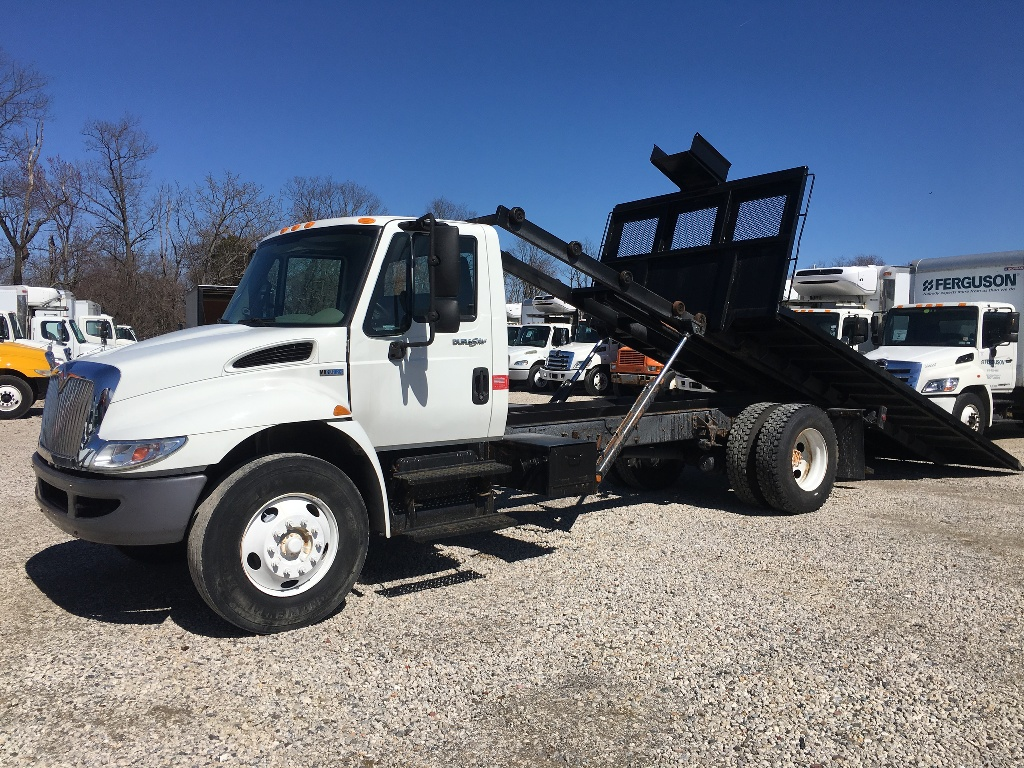 USED 2014 INTERNATIONAL 4300 ROLL-OFF TRUCK #2987