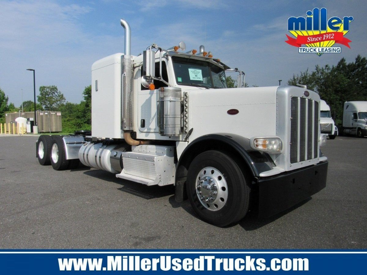 USED 2013 PETERBILT 389 TANDEM AXLE SLEEPER TRUCK #3023