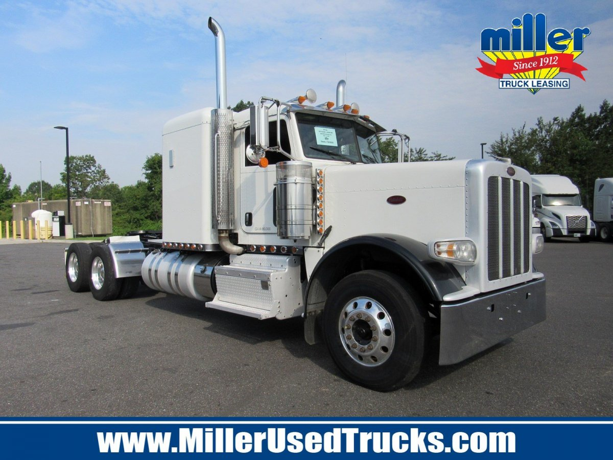 USED 2013 PETERBILT 388 TANDEM AXLE SLEEPER TRUCK #3024