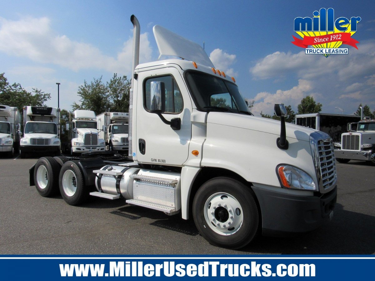 USED 2013 FREIGHTLINER CAS125-DC TANDEM AXLE DAYCAB TRUCK #3041