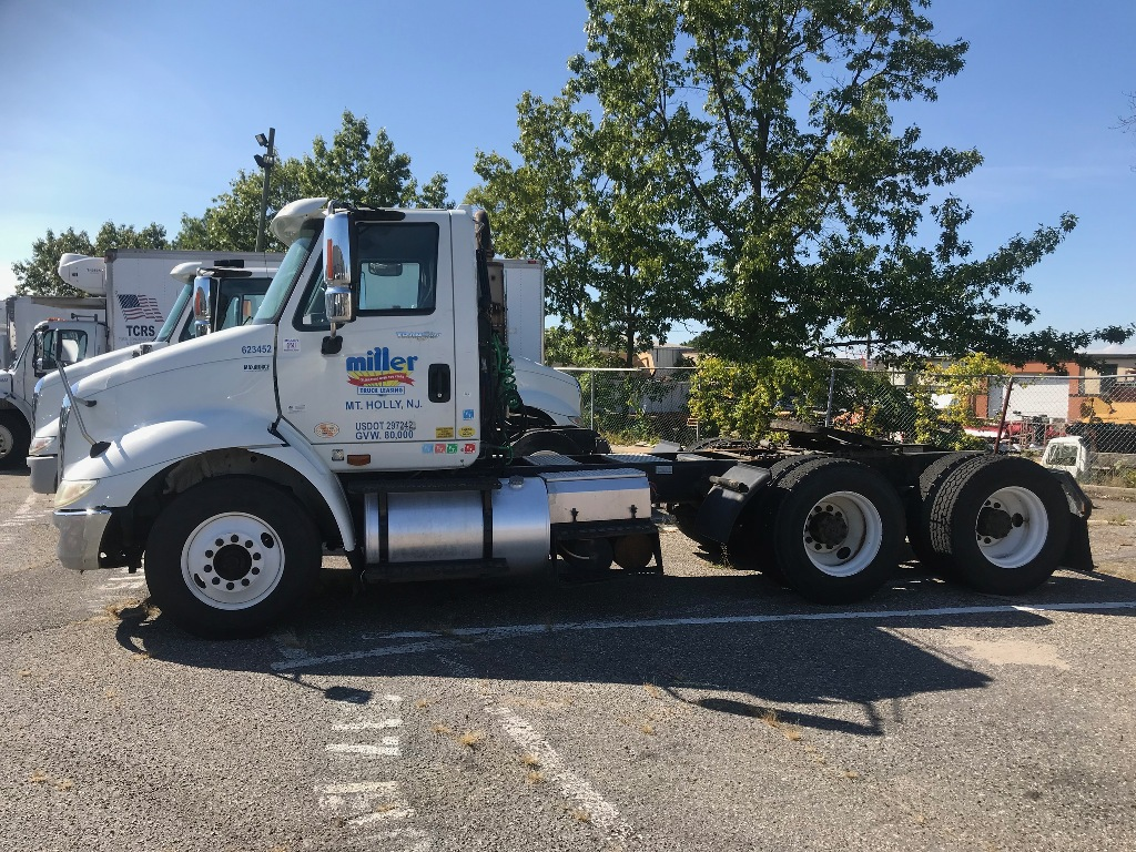 USED 2012 INTERNATIONAL 8600 TANDEM AXLE DAYCAB TRUCK #3048