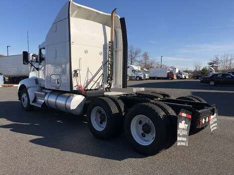 USED 2013 KENWORTH T600 TANDEM AXLE SLEEPER TRUCK #3061-5