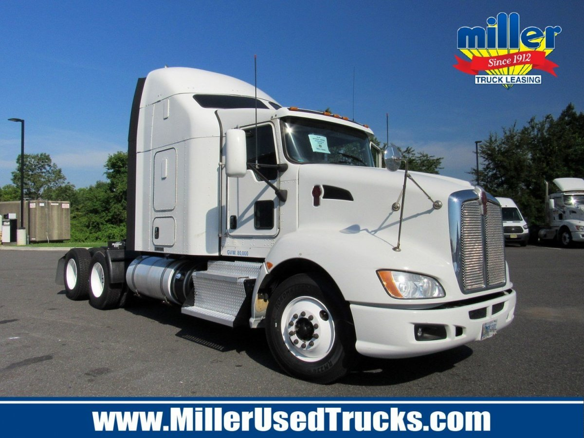 USED 2013 KENWORTH T600 TANDEM AXLE SLEEPER TRUCK #3089