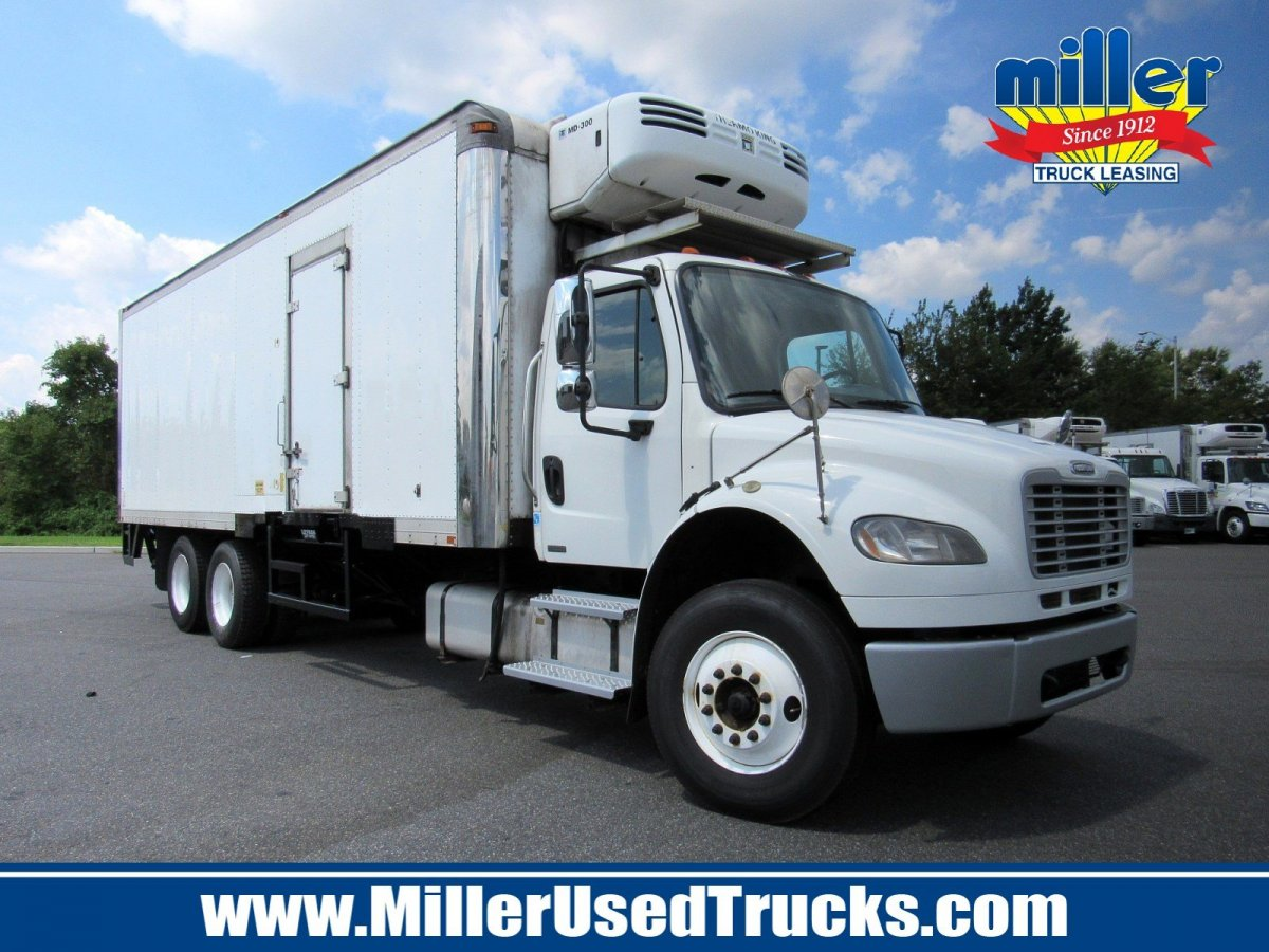 USED 2011 FREIGHTLINER M2106 REEFER TRUCK #3123
