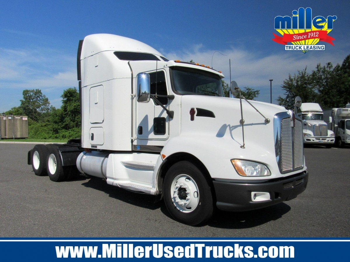USED 2013 KENWORTH T600A TANDEM AXLE SLEEPER TRUCK #3172