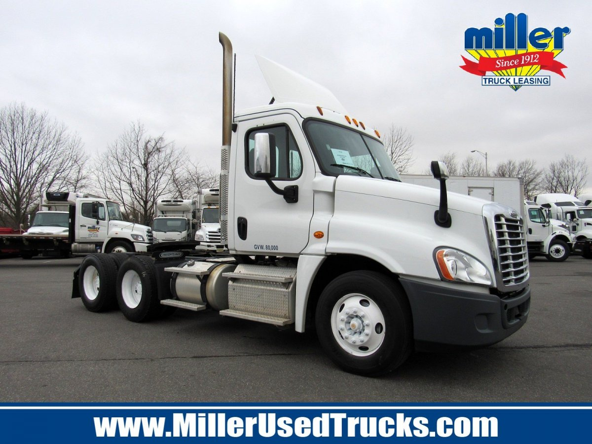 USED 2015 FREIGHTLINER CAS125-DC TANDEM AXLE DAYCAB TRUCK #3179