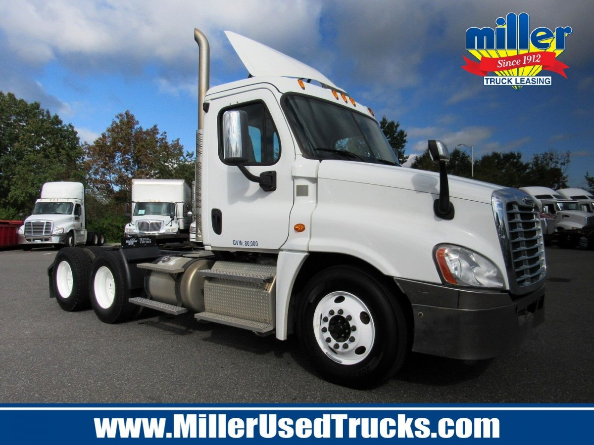 USED 2015 FREIGHTLINER CAS125-DC TANDEM AXLE DAYCAB TRUCK #3254
