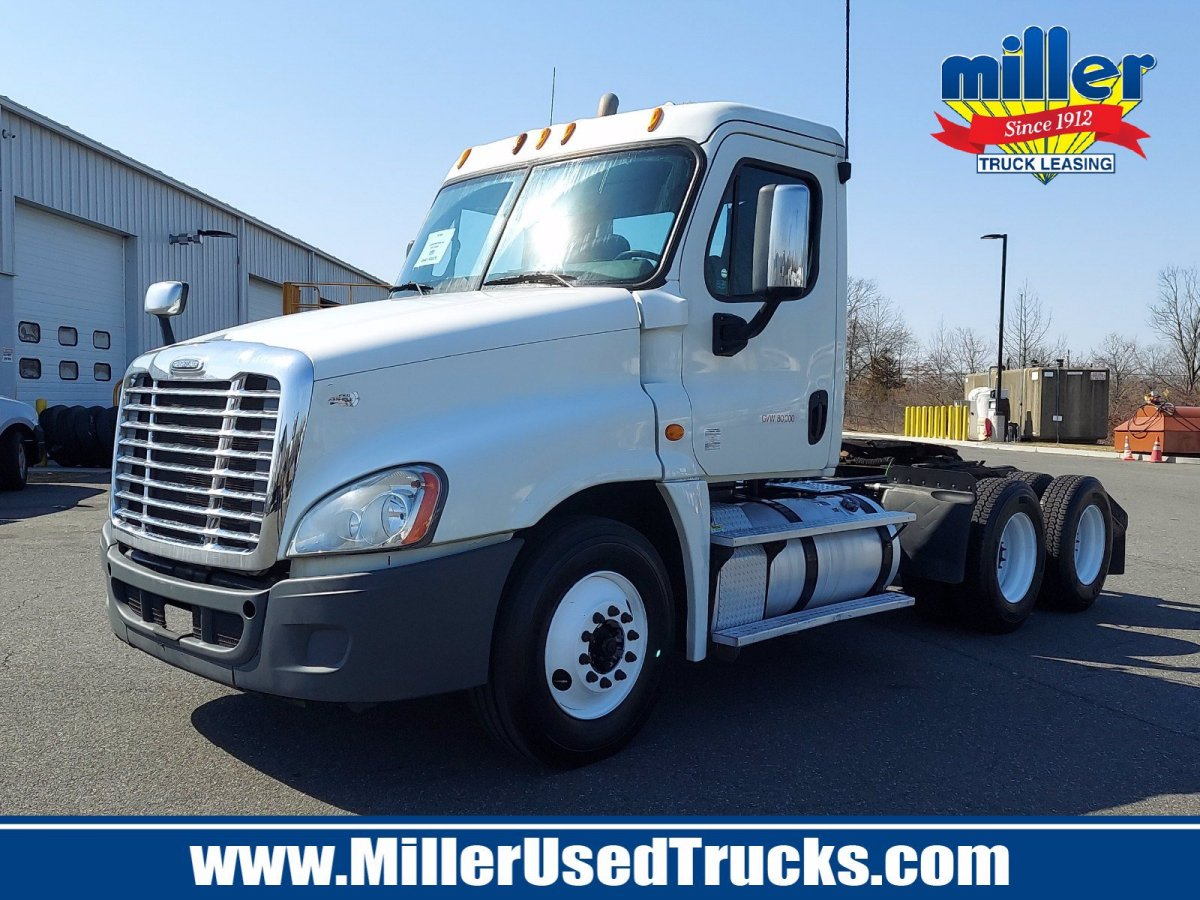 USED 2014 FREIGHTLINER CASCADIA 125-DC TANDEM AXLE DAYCAB TRUCK #3789