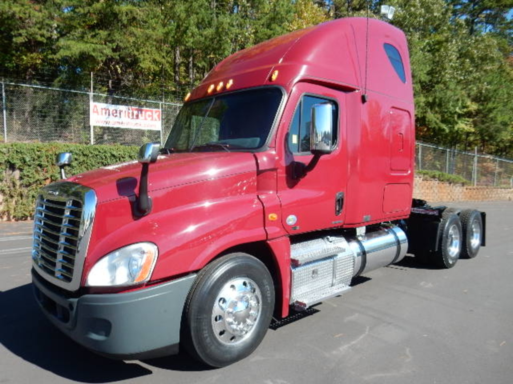 USED 2011 FREIGHTLINER CASCADIA SLEEPER TRUCK #1345