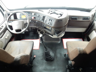 USED 2012 VOLVO 670 SLEEPER TRUCK #1579-10