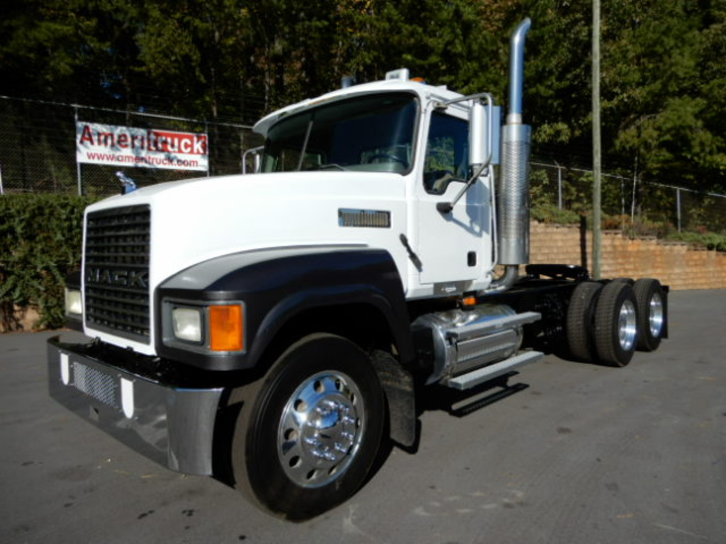 USED 2007 MACK CHN613 DAYCAB TRUCK #1636