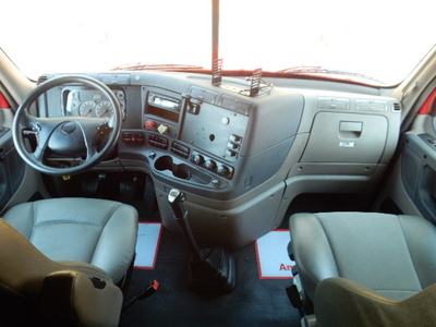USED 2013 FREIGHTLINER CASCADIA SLEEPER TRUCK #1679-10