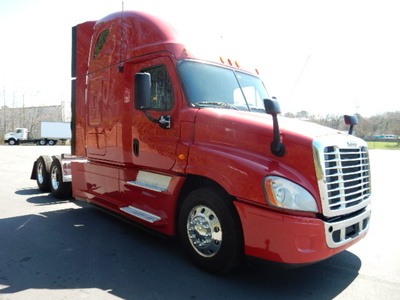 USED 2013 FREIGHTLINER CASCADIA SLEEPER TRUCK #1679-2