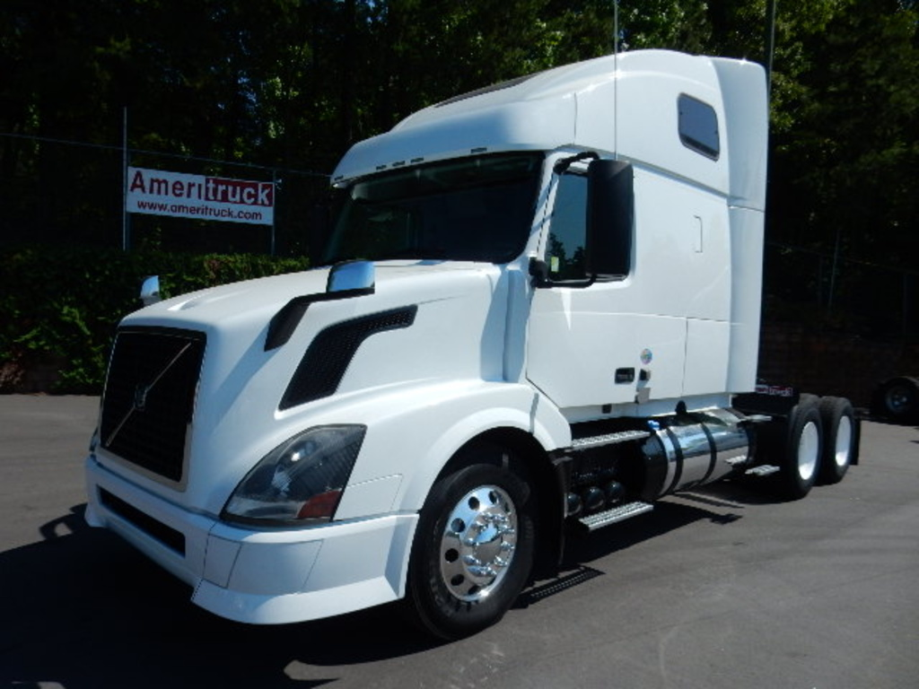 USED 2013 VOLVO VNL 670 SLEEPER TRUCK #1783