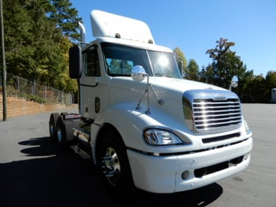 USED 2007 FREIGHTLINER COLUMBIA DAYCAB TRUCK #2110-2