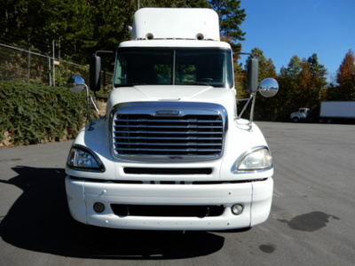 USED 2007 FREIGHTLINER COLUMBIA DAYCAB TRUCK #2110-3