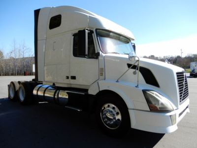USED 2012 VOLVO 670 SLEEPER TRUCK #2169-2