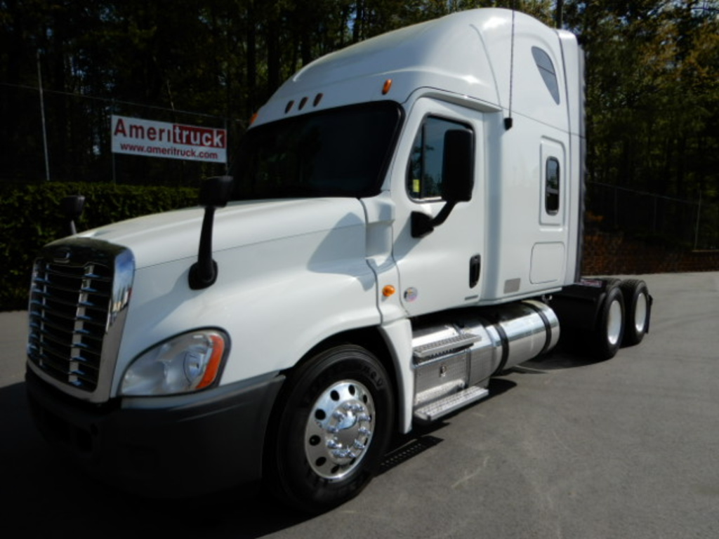 USED 2012 FREIGHTLINER CASCADIA SLEEPER TRUCK #2249