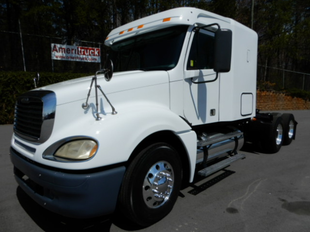 USED 2007 FREIGHTLINER COLUMBIA SLEEPER TRUCK #2278