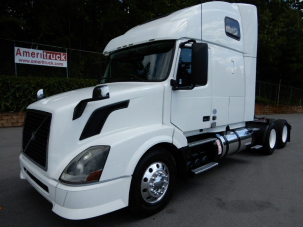 USED 2013 VOLVO VNL SLEEPER TRUCK #2430