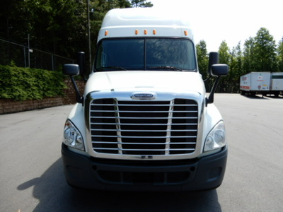 USED 2014 FREIGHTLINER CASCADIA SLEEPER TRUCK #2744-3