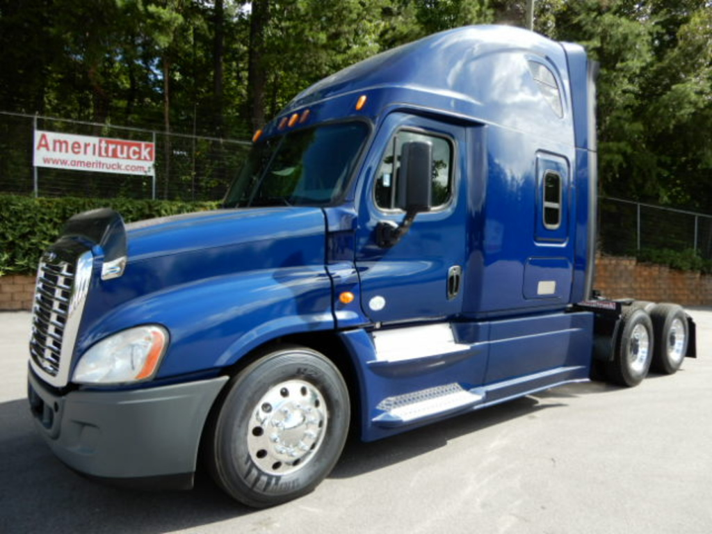 USED 2014 FREIGHTLINER CASCADIA 125 SLEEPER TRUCK #2790