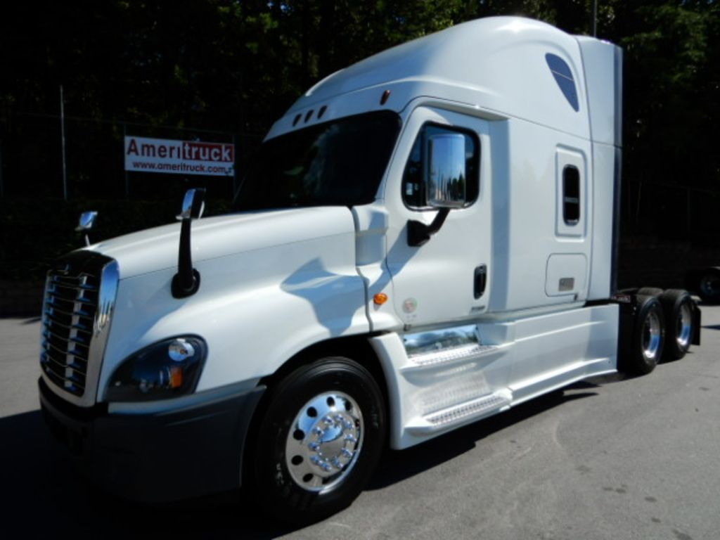 USED 2016 FREIGHTLINER CASCADIA 125 SLEEPER TRUCK #2820
