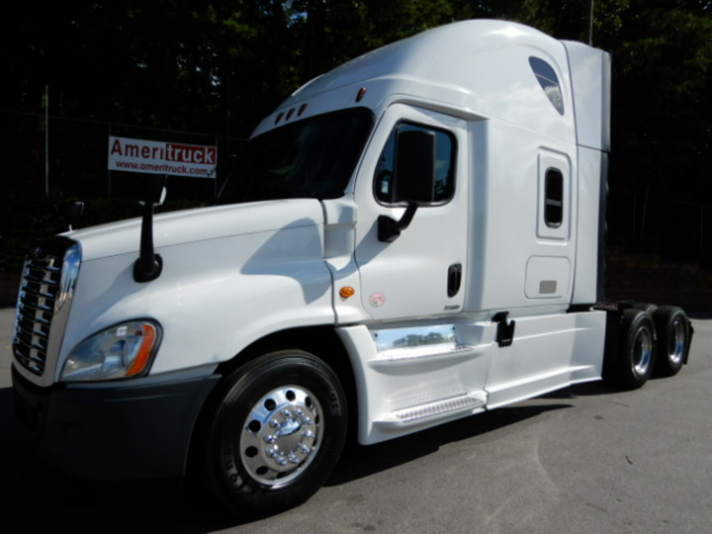 USED 2016 FREIGHTLINER CASCADIA 125 SLEEPER TRUCK #2833