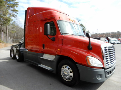 USED 2014 FREIGHTLINER CASCADIA SLEEPER TRUCK #3245-2
