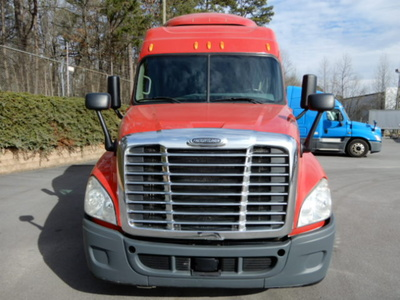USED 2014 FREIGHTLINER CASCADIA SLEEPER TRUCK #3247-3
