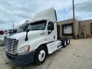 USED 2009 FREIGHTLINER CASCADIA 113 DAYCAB TRUCK #10663