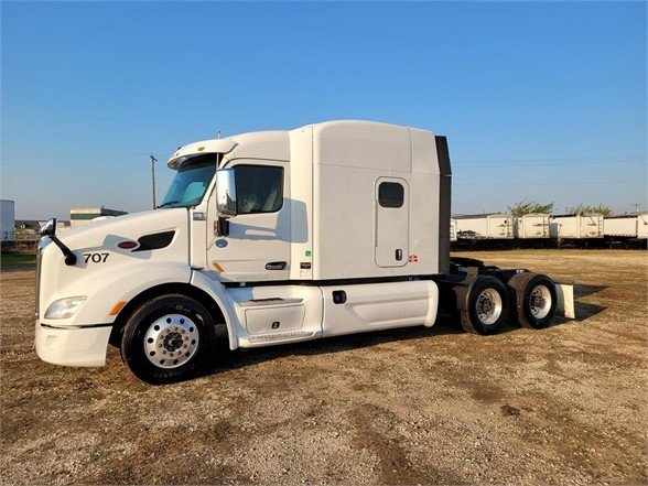 USED 2016 PETERBILT 579 SLEEPER TRUCK #10877