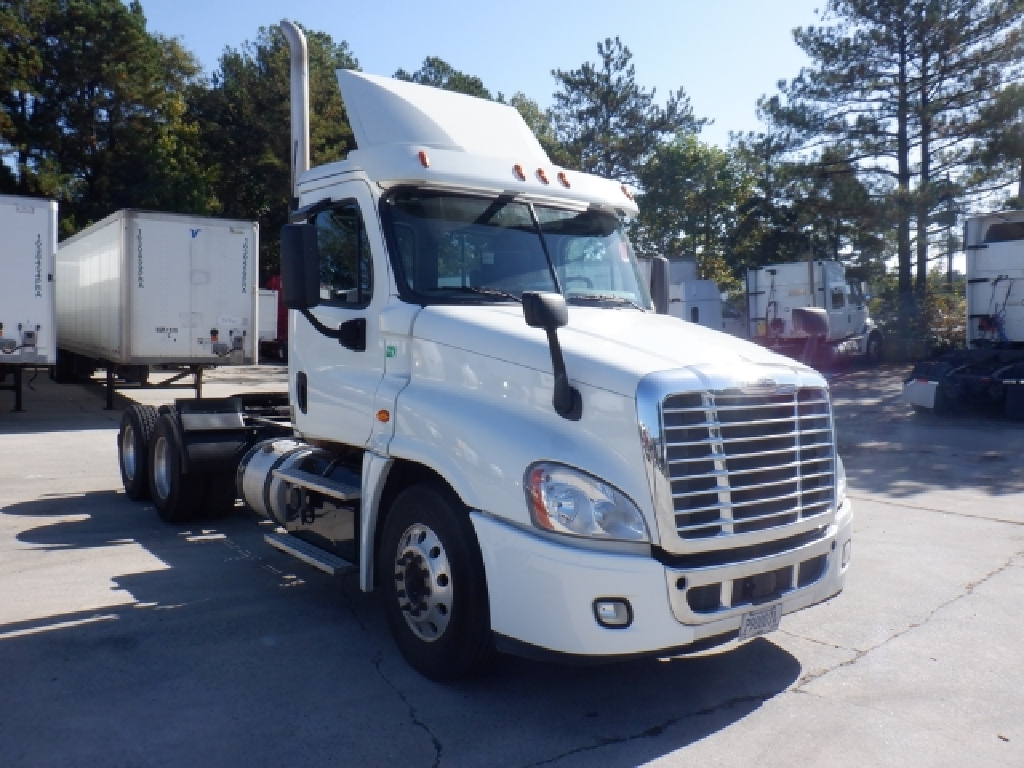 USED 2016 FREIGHTLINER CASCADIA 125 DAYCAB TRUCK #11274