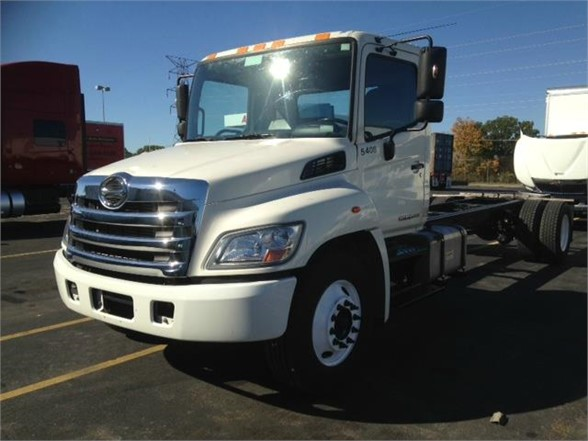 USED 2013 HINO 268A CAB CHASSIS TRUCK #3915