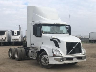 USED 2015 VOLVO VNL64T300 DAYCAB TRUCK #4628-2