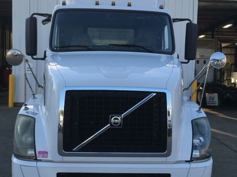 USED 2012 VOLVO VNL63T300 TANDEM AXLE DAYCAB TRUCK #5697-3