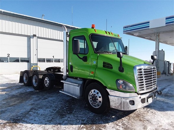 USED 2014 FREIGHTLINER CASCADIA 113 DAYCAB TRUCK #5936