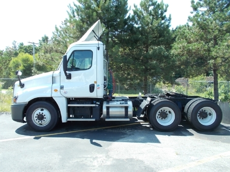 USED 2019 FREIGHTLINER CASCADIA DAYCAB TRUCK #6004-1