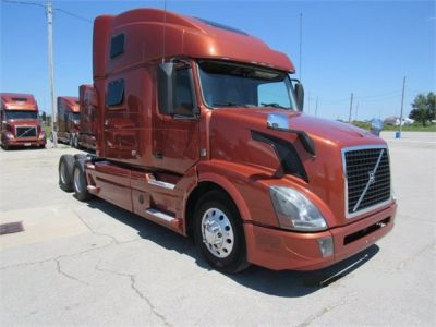 USED 2016 VOLVO VNL64T780 SLEEPER TRUCK #6711-2