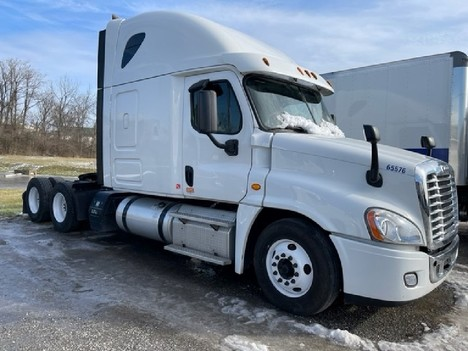 USED 2015 FREIGHTLINER CASCADIA 125 SLEEPER TRUCK #8050-1