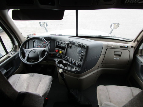 USED 2015 FREIGHTLINER CASCADIA 125 SLEEPER TRUCK #8050-11