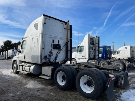 USED 2015 FREIGHTLINER CASCADIA 125 SLEEPER TRUCK #8050-4