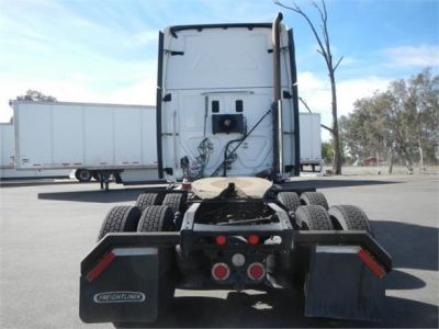 USED 2015 FREIGHTLINER CASCADIA 125 SLEEPER TRUCK #8702-11