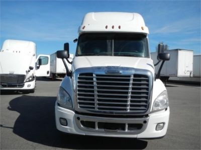 USED 2015 FREIGHTLINER CASCADIA 125 SLEEPER TRUCK #8702-2