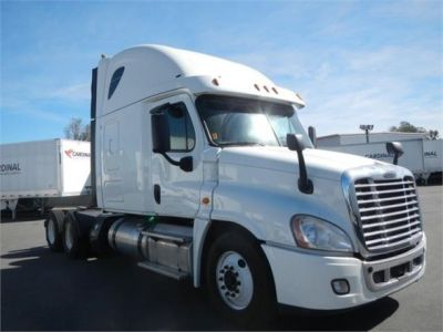 USED 2015 FREIGHTLINER CASCADIA 125 SLEEPER TRUCK #8702-3