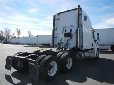 USED 2015 FREIGHTLINER CASCADIA 125 SLEEPER TRUCK #8702-9