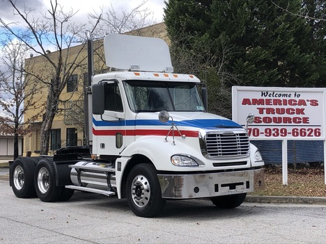 2006 FREIGHTLINER COLUMBIA Tandem Axle Daycab #9050